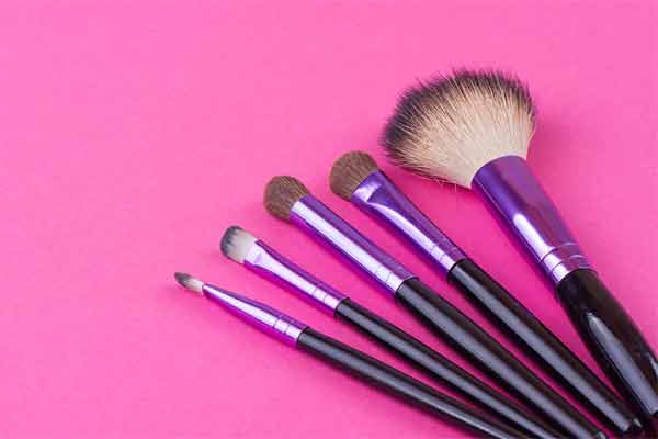 The Top Makeup Brush Cleaners and Why You Need One